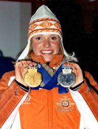 Evi Sachenbacher mit Gold und Silber 2002
